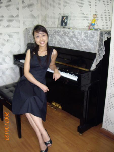 谁有骚女老师的qq_杨老师(本站明星家教) 乐器种类:钢琴-乐理-视唱练耳 老师性别:女